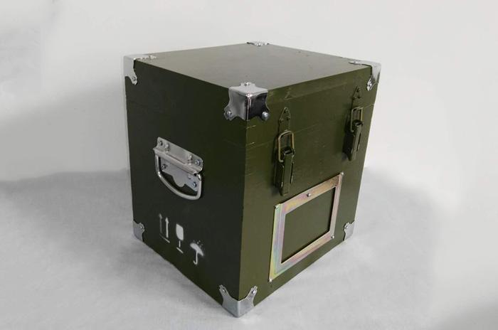 小型钢边箱