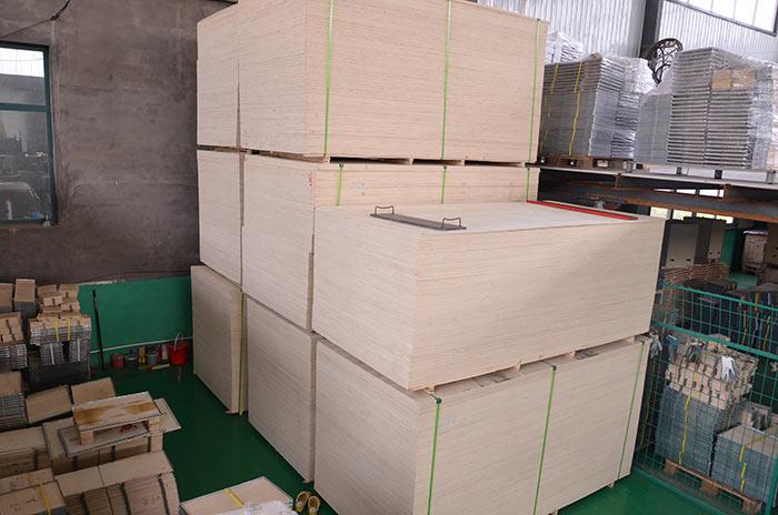 木箱原料存放区