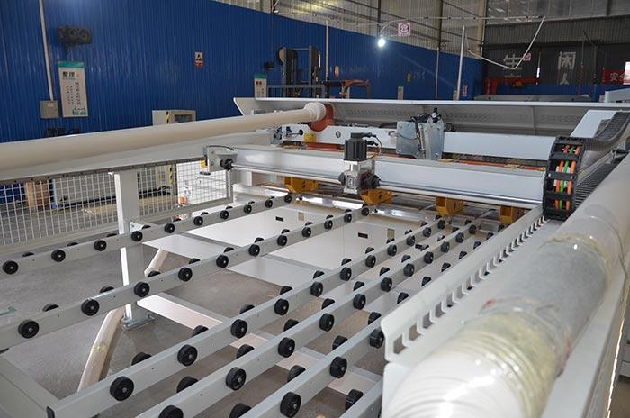 钢边箱生产设备生产车间1