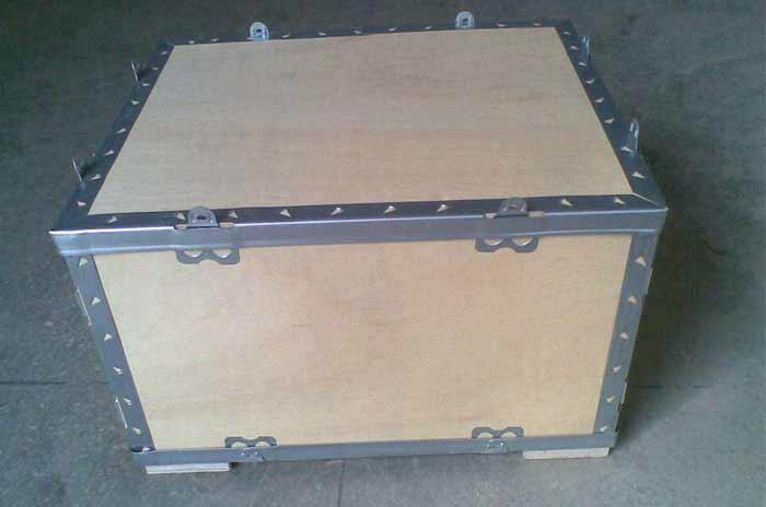 无托盘钢带木箱
