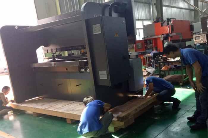 折弯机械设备木箱包装打包案例